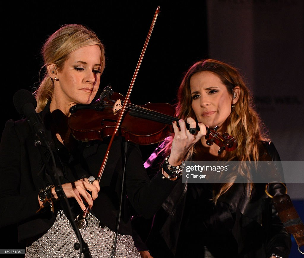 Emily Robison Dixie Chicks Members From Left Martie Maguire Emily Robison And