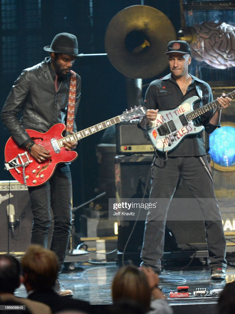 Musicians Gary Clark, Jr. (L) and <a gi-track='captionPersonalityLinkClicked' href=/galleries/search?phrase=Tom+Morello&family=editorial&specificpeople=2133151 ng-click='$event.stopPropagation()'>Tom Morello</a> perform at the 28th Annual Rock and Roll Hall of Fame Induction Ceremony at Nokia Theatre L.A. Live on April 18, 2013 in Los Angeles, California.