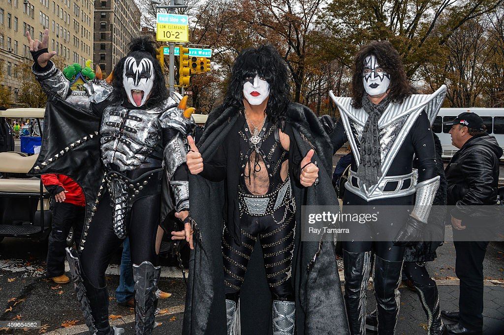 Musicians <a gi-track='captionPersonalityLinkClicked' href=/galleries/search?phrase=Gene+Simmons&family=editorial&specificpeople=138593 ng-click='$event.stopPropagation()'>Gene Simmons</a>, <a gi-track='captionPersonalityLinkClicked' href=/galleries/search?phrase=Paul+Stanley+-+Musician&family=editorial&specificpeople=11656968 ng-click='$event.stopPropagation()'>Paul Stanley</a>, and <a gi-track='captionPersonalityLinkClicked' href=/galleries/search?phrase=Tommy+Thayer&family=editorial&specificpeople=235930 ng-click='$event.stopPropagation()'>Tommy Thayer</a>, of KISS, attend the 88th Annual Macys Thanksgiving Day Parade on November 27, 2014 in New York, New York.