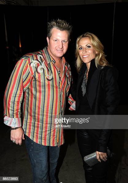 Musicians Joe Don Rooney of Rascal Flatts and Sheryl Crow attend the 2009 CMT Music Awards at the Sommet Center on June 16 2009 in Nashville Tennessee