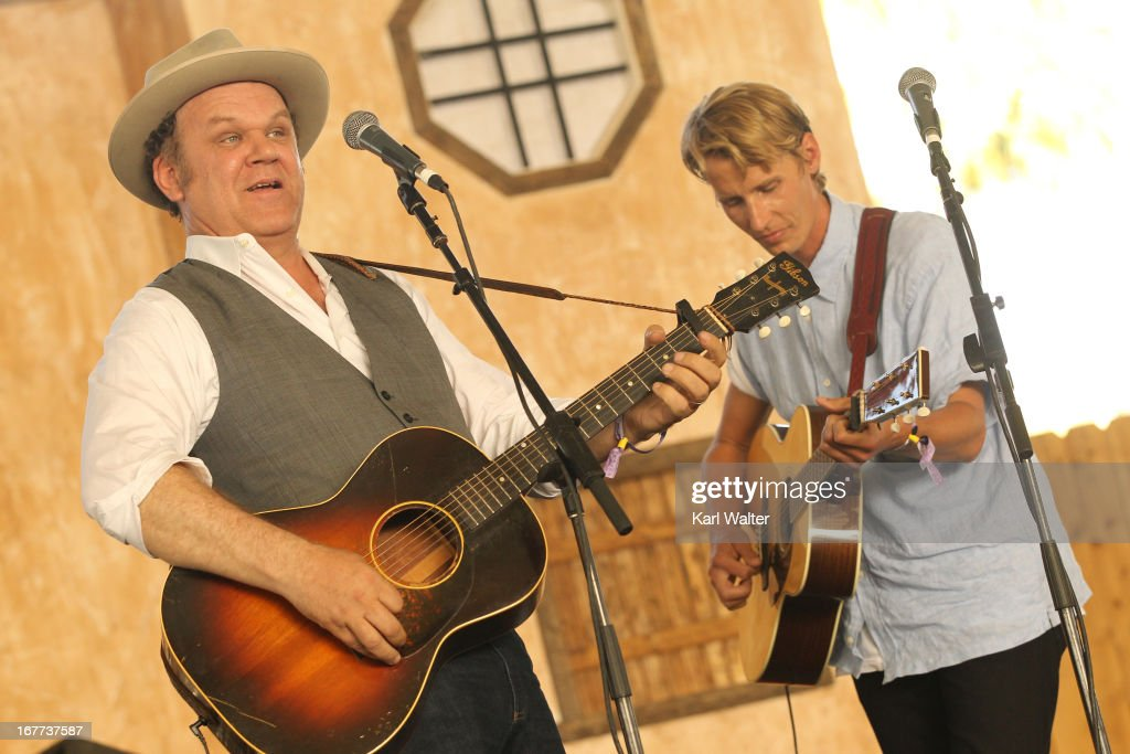 Musicians <a gi-track='captionPersonalityLinkClicked' href=/galleries/search?phrase=John+C.+Reilly&family=editorial&specificpeople=210786 ng-click='$event.stopPropagation()'>John C. Reilly</a> (L) and Tom Brosseau perform onstage during 2013 Stagecoach: California's Country Music Festival held at The Empire Polo Club on April 28, 2013 in Indio, California.