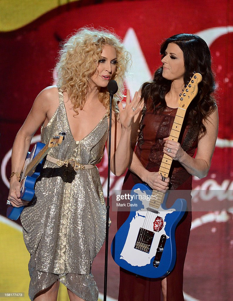Musicians Kimberly Roads Schlapman and Karen Fairchild of Little Big Town accept the award for Music Video of the Year: Group onstage during the 2012 American Country Awards at the Mandalay Bay Events Center on December 10, 2012 in Las Vegas, Nevada.