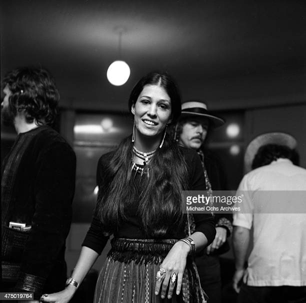 Musicians Kris Kristofferson and Rita Coolidge backstage at the Troubadour on March 29 1972 in Los Angeles California