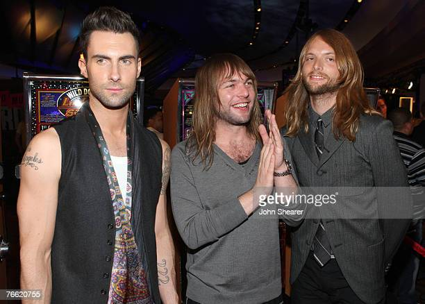 Musicians Maroon 5 arrive at the 2007 MTV Video Music Awards at The Palms Hotel and Casino on September 9 2007 in Las Vegas Nevada