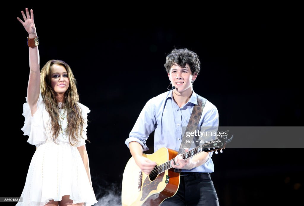 Jonas Brothers Perform with Miley Cyrus in Concert - Dallas, TX