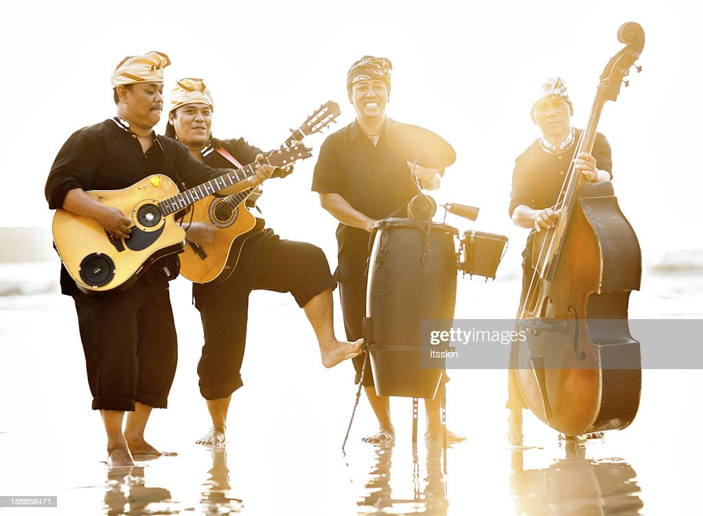 Musicians on the beach : Stock Photo