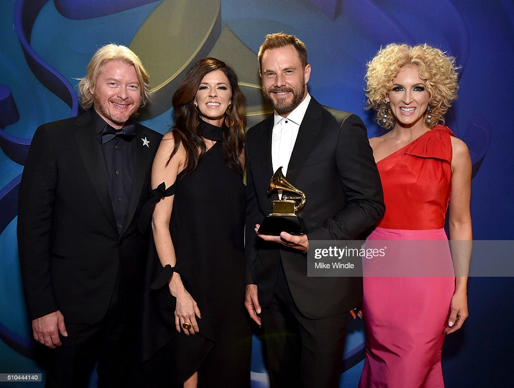 Musicians Philip Sweet Karen Fairchild Jimi Westbrook and Kimberly Schlapman of Little Big Town winners of Best Country Duo/Group Performance for...
