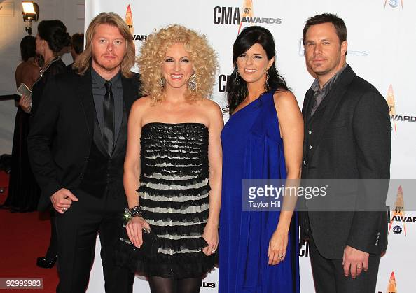 Musicians Phillip Sweet Kimberly Roads Schlapman Karen Fairchild and Jimi Westbrook of Little Big Town attend the 43rd Annual CMA Awards at the...