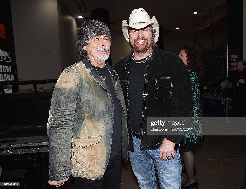 Musicians <a gi-track='captionPersonalityLinkClicked' href=/galleries/search?phrase=Randy+Owen&family=editorial&specificpeople=619729 ng-click='$event.stopPropagation()'>Randy Owen</a> (L) and <a gi-track='captionPersonalityLinkClicked' href=/galleries/search?phrase=Toby+Keith&family=editorial&specificpeople=204525 ng-click='$event.stopPropagation()'>Toby Keith</a> attend the American Country Awards 2011 at the MGM Grand Garden Arena on December 5, 2011 in Las Vegas, Nevada.
