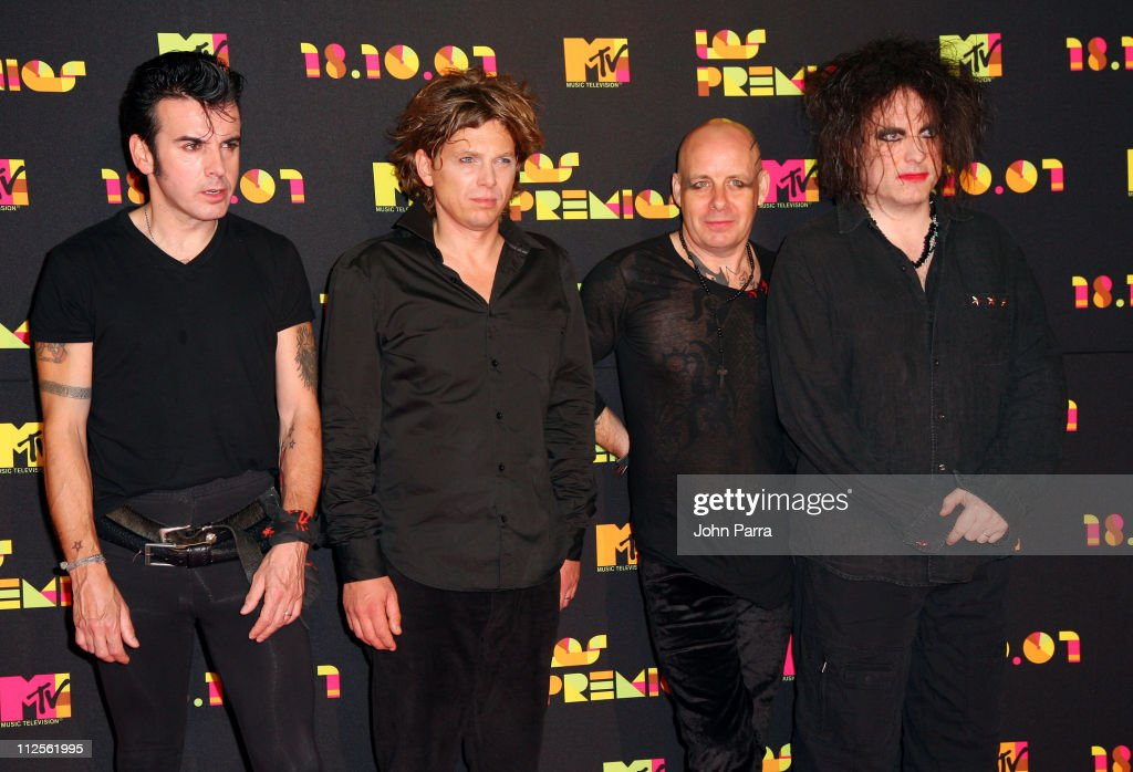Musicians Simon Gallup, Jason Cooper, Porl Thompson and Robert Smith of The Cure arrives during Los Premios MTV Latin America 2007 at El Palacio de Los Deportes on October 18, 2007 in Mexico City, Mexico.