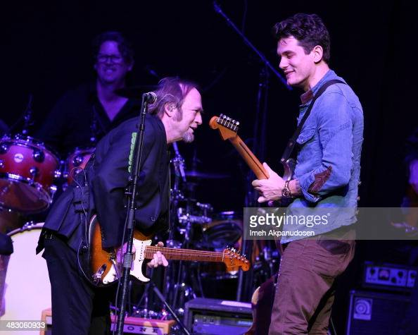 Musicians Stephen Stills and John Mayer perform onstage at the 2nd Light Up The Blues Concert An Evening Of Music To Benefit Autism Speaks at The...