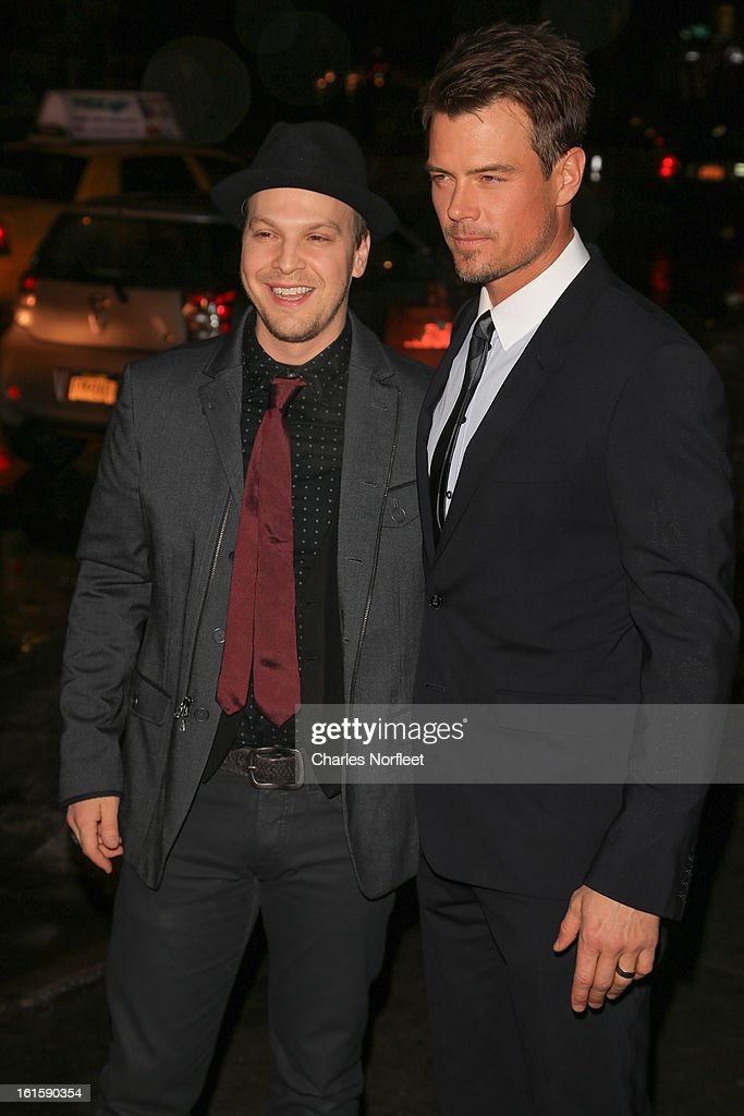 Musician/singer-songwriter <a gi-track='captionPersonalityLinkClicked' href=/galleries/search?phrase=Gavin+DeGraw&family=editorial&specificpeople=203282 ng-click='$event.stopPropagation()'>Gavin DeGraw</a> (L) and actor <a gi-track='captionPersonalityLinkClicked' href=/galleries/search?phrase=Josh+Duhamel&family=editorial&specificpeople=208740 ng-click='$event.stopPropagation()'>Josh Duhamel</a> (R) attend 'Safe Haven' New York Screening at Sunshine Landmark on February 11, 2013 in New York City.
