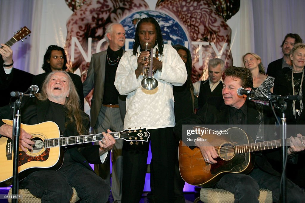 Musician/vocalists Willie Nelson, Jeff Lofton and Joe Ely perform at the Nobelity Project's dinner honoring Willie Nelson with the 'Feed The Peace' award at the Four Seasons Hotel on April 11, 2010 in Austin, Texas.