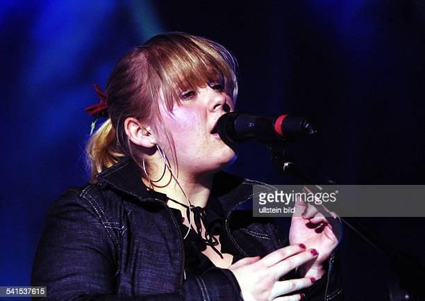 Musikerfamilie IrlandSängerin Maite Kelly bei einem Auftritt in der Philipshalle in Düsseldorf