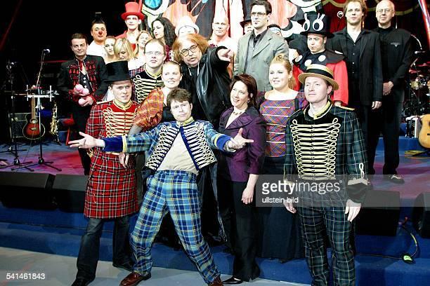 Musikerfamilie IrlandZirkusShow 'Phantasie verboten' in Zusammenarbeit mit dem Circus Roncalli in Berlin