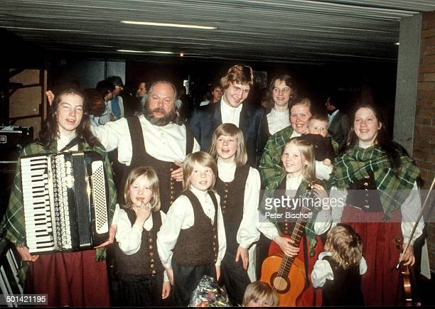 Musikgruppe 'Kelly Family' mit FamilienOberhaupt und Vater Dan Kelly Mutter BarbaraAnn Kelly Tochter Kathy Tochter Caroline Tochter Patricia Sohn...