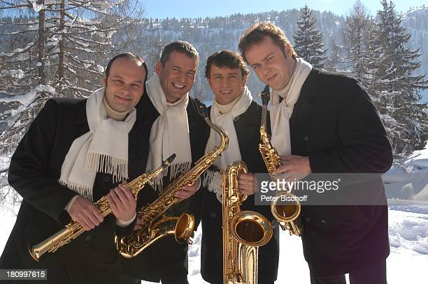 Musikgruppe 'Saxofourte' Thomas Sälzle Martin Traub Ralf Richter Dieter Kraus ZDFShow 'Das Sonntagskonzert' in Reit in Winkl Winter Schnee Saxofon...