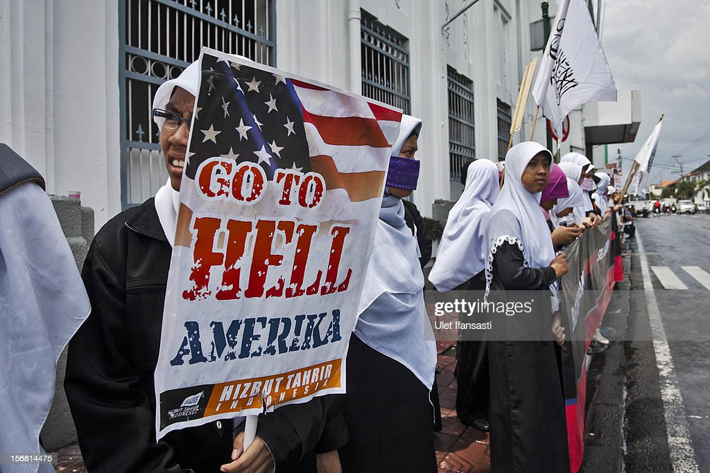 Muslim activists from Hizbut Tahrir Indonesia protest during against the Israel and US governments as against Israeli air strikes on the Gaza Strip on November 21, 2012 in Yogyakarta, Indonesia.