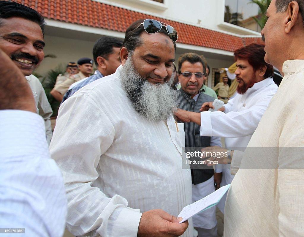 Muslim leaders meet actor Kamal Hasan to discuss the controversy regarding his film Vishwaroobam at Hotel Sun n Sand Juhu on February 1 2013 in...