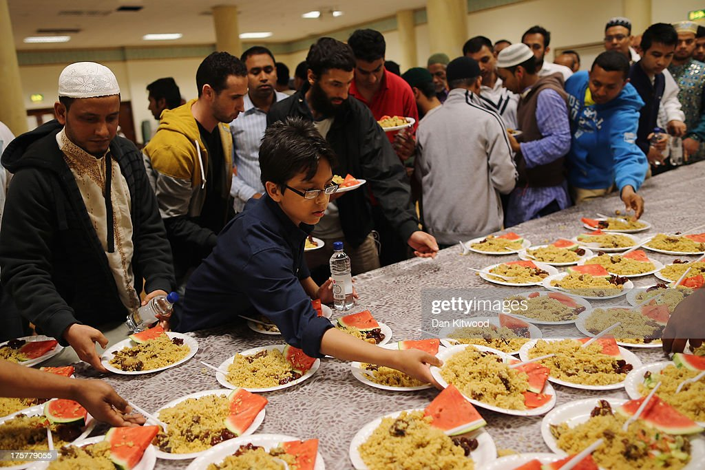 The Final Day Of Ramadan At The East London Mosque | Getty ...