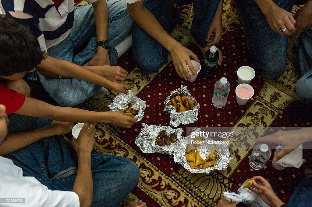 center ridge muslim personals Oncom | the worlds best online chat site | where people meet, chat, & flirt online make friends or start online dating.