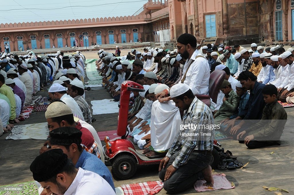 Muslims offering Namaz at Tajul Masjid on July 1, 2016 in Bhopal, India. Eid-Ul-Fitr will be observed in India on July 6 or 7, depending on the sighting of the moon. The submissions should be done till July 3, 11 am.