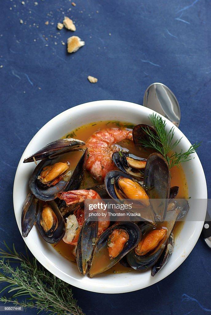 Mussels & prawns in Saffron broth