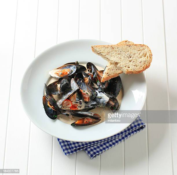 Mussels with cream sauce