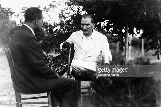 Mustafa Kemal Ataturk en novembre 1929