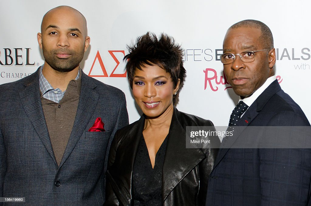 MutaÕAli, <a gi-track='captionPersonalityLinkClicked' href=/galleries/search?phrase=Angela+Bassett&family=editorial&specificpeople=171174 ng-click='$event.stopPropagation()'>Angela Bassett</a> and Courtney Vance attend the 'Life's Essentials With Ruby Dee' screening at The Schomburg Center for Research in Black Culture on November 14, 2012 in New York City.