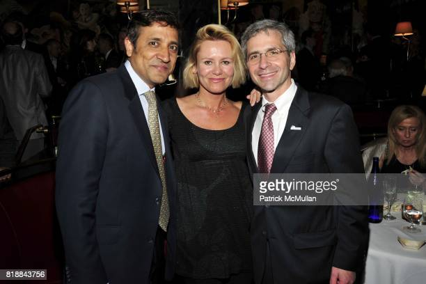 Muttasif Zaidi Dawn McDaniel and Jim Simon attend CHRISTIE'S Green Auction After Party Hosted by LA MER at Monkey Bar on April 22nd 2010 in New York...