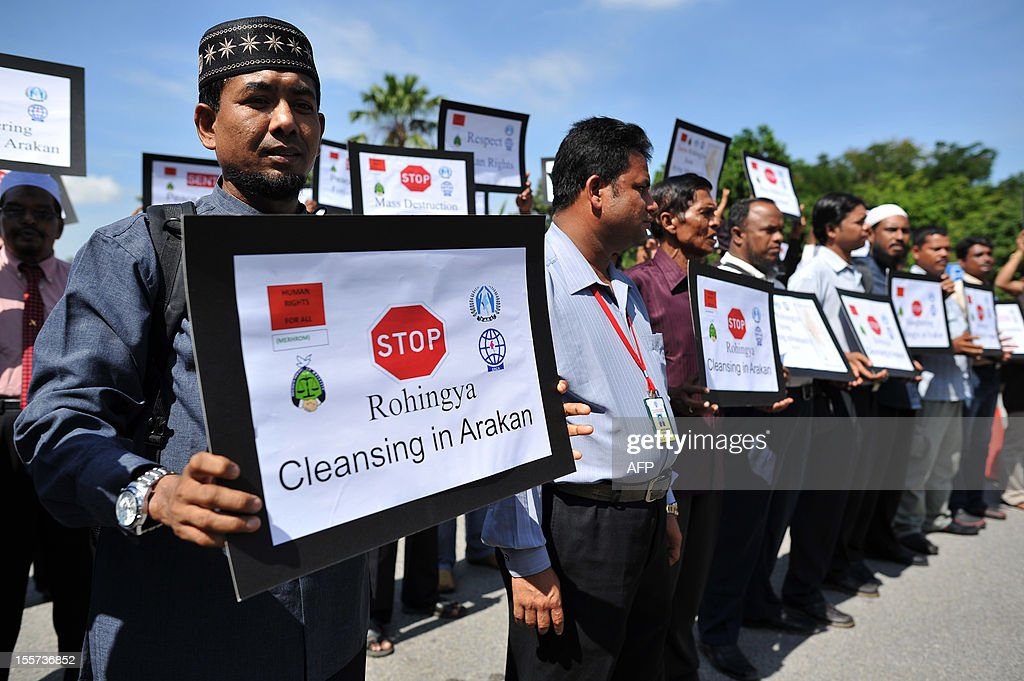 Myanmar ethnic Rohingya Muslims living in Malaysia proterst outside Malaysia's Ministry of Foreign Affairs in Putrajaya outside Kuala Lumpur on November 8, 2012. Rohingya groups from across the world have signed a statement calling for a Global Day of Action on November 8 in support of human rights for the Rohingya people of Myanmar. AFP PHOTO / MOHD RASFAN