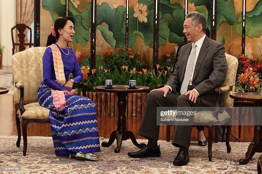 Daw Aung San Suu Kyi Visits Singapore