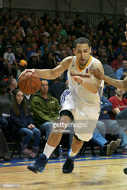 Mychel Thompson of the Santa Cruz Warriors drives to the basket against the Los Angeles Defenders on February 8 2014 at Kaiser Permanente Arena in...