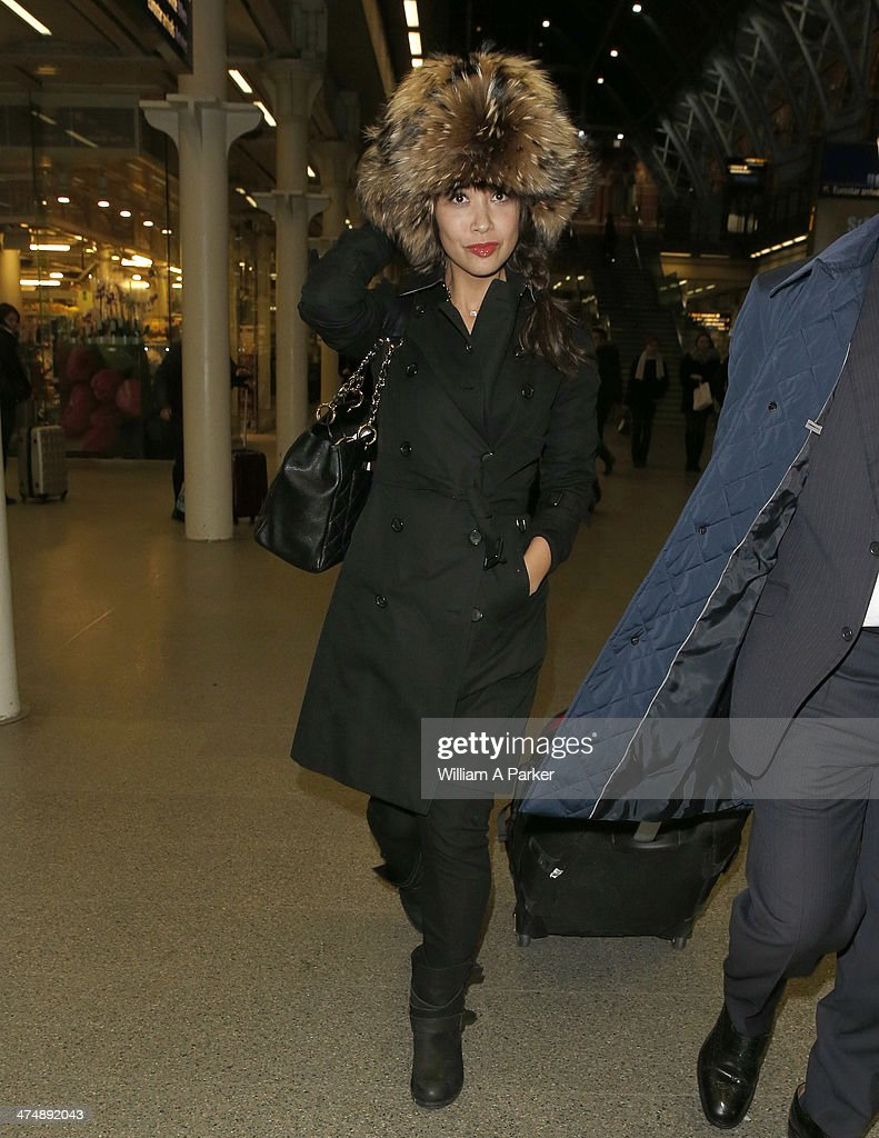 <a gi-track='captionPersonalityLinkClicked' href=/galleries/search?phrase=Myleene+Klass&family=editorial&specificpeople=201597 ng-click='$event.stopPropagation()'>Myleene Klass</a> is spotted returning to the UK after travelling from Paris on the Eurostar on February 25, 2014 in London, England.