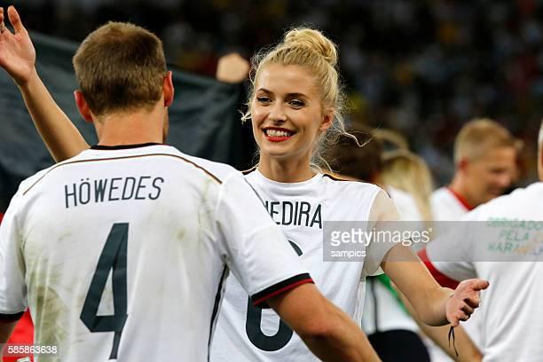 Lena Gercke mit Benedikt Höwedes Deutschland Fussball Weltmeister Deutschland Weltmeisterschafts Finale Deutschland Argentinien 10 n Verlängerung...