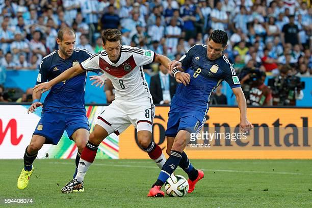 Pablo Zabaletta Argentinien Argentina ARG Mesut Ösil Oesil Deutschland Enzo Perez Argentinien Argentina ARG Fussball Weltmeister Deutschland...