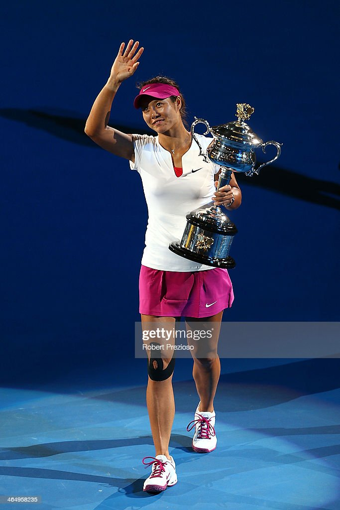 <a gi-track='captionPersonalityLinkClicked' href=/galleries/search?phrase=Na+Li+-+Tennis+Player&family=editorial&specificpeople=4485174 ng-click='$event.stopPropagation()'>Na Li</a> of China holds the Daphne Akhurst Memorial Cup after winning the women's final match against Dominika Cibulkova of Slovakia during day 13 of the 2014 Australian Open at Melbourne Park on January 25, 2014 in Melbourne, Australia.