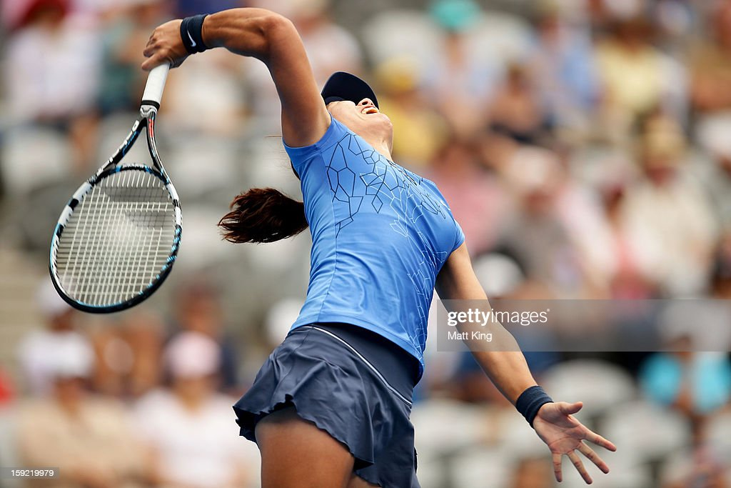 <a gi-track='captionPersonalityLinkClicked' href=/galleries/search?phrase=Na+Li+-+Tennis+Player&family=editorial&specificpeople=4485174 ng-click='$event.stopPropagation()'>Na Li</a> of China serves in her semi final match against Agnieszka Radwanska of Poland during day five of the Sydney International at Sydney Olympic Park Tennis Centre on January 10, 2013 in Sydney, Australia.