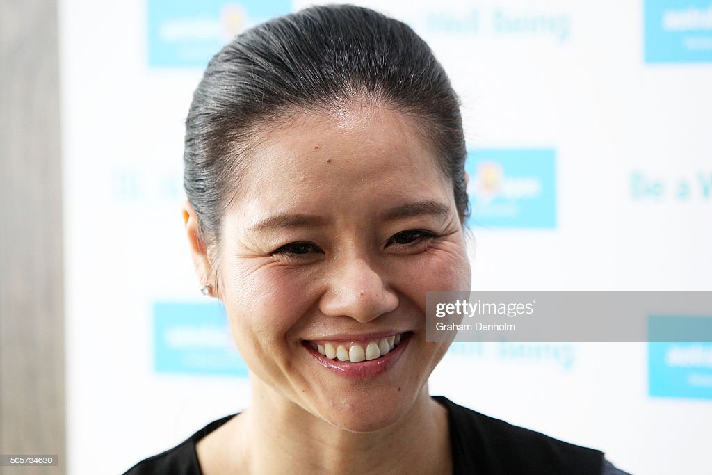 <a gi-track='captionPersonalityLinkClicked' href=/galleries/search?phrase=Na+Li+-+Tennis+Player&family=editorial&specificpeople=4485174 ng-click='$event.stopPropagation()'>Na Li</a> of China talks to the media at the Blackmores Wellbeing Oasis during day three of the 2016 Australian Open at Melbourne Park on January 20, 2016 in Melbourne, Australia.