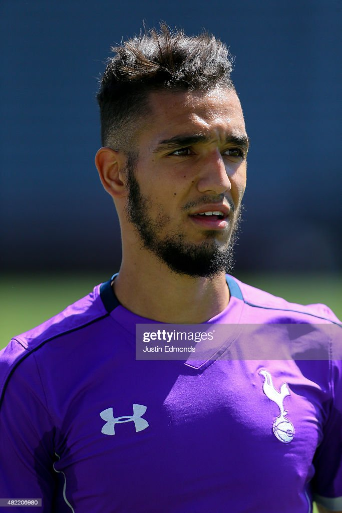 <b>Nabil Bentaleb</b> of the Tottenham Hotspur works out during training ahead of a ... - nabil-bentaleb-of-the-tottenham-hotspur-works-out-during-training-of-picture-id482206980