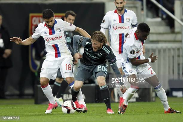 Nabil Fekir of Olympique Lyonnais Amin Younes of Ajax Lasse Schone of Ajax Maxime Gonalons of Olympique Lyonnais Maxwel Cornet of Olympique...