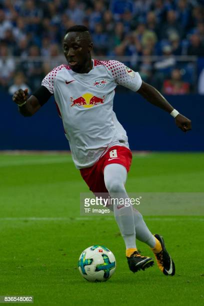 Naby Keita of Leipzig controls the ball during the Bundesliga match between FC Schalke 04 and RB Leipzig at VeltinsArena on August 19 2017 in...