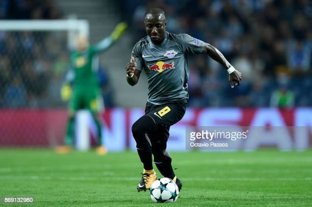 Naby Keita of RB Leipzig in action during the UEFA Champions League group G match between FC Porto and RB Leipzig at Estadio do Dragao on November 1...