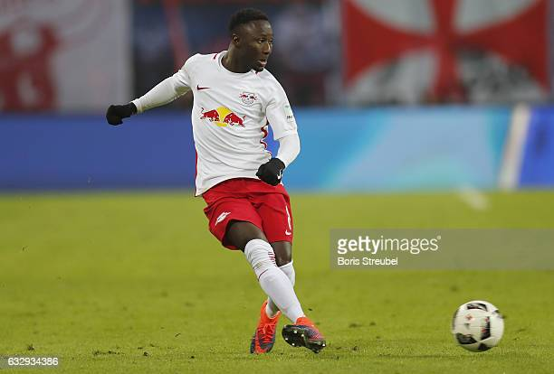 Naby Keita of RB Leipzig runs with the ball during the Bundesliga match between RB Leipzig and TSG 1899 Hoffenheim at Red Bull Arena on January 28...