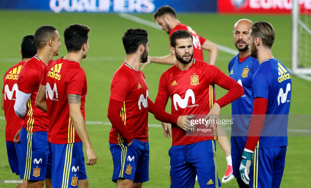 Nacho Fernndez of Spain , Pepe Reina of Spain attends a training session on October 8, 2017 in Jerusalem, Israel.