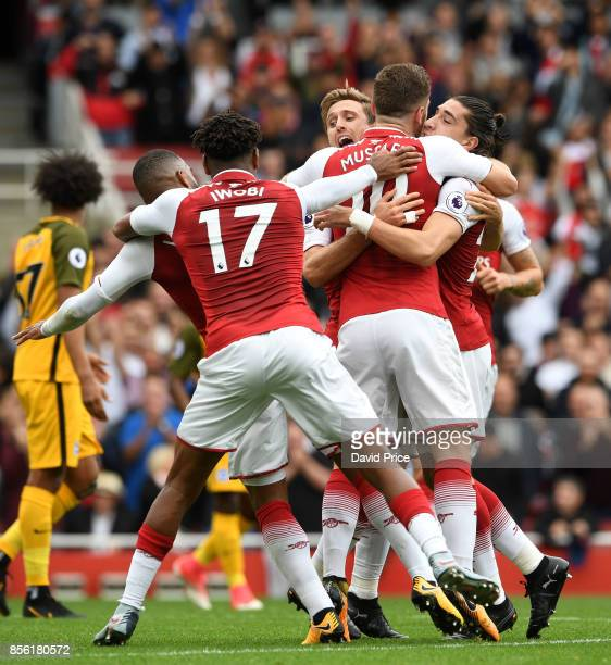 Nacho Monreal celebrates scoring a goal for Arsenal with Shkodran Mustafi Alex Iwobi Alexandre Lacazette and Hector Bellerin during the Premier...