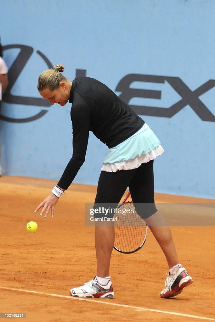 Nadia Petrova, RUS, in 'Mutua Madrilena Madrid Open' of tennis, 8th May 2010, in 'La Caja Magica'. Madrid, Spain.