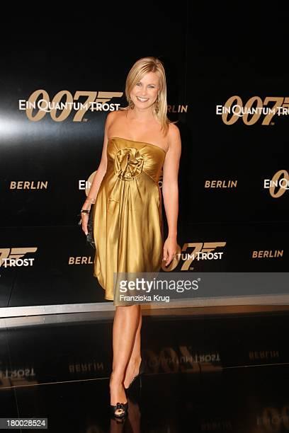 Nadine Krüger Bei Der ' 007 Ein Quantum Trost' Premiere Im Cinestar Am Potsdamer Platz In Berlin Am 031108