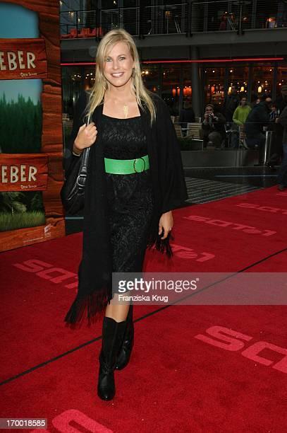 Nadine Krüger In Germany at Premiere Of 'Open Season' in Cinestar Sony Center in Berlin